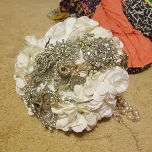 Bridal bouquet broach rhinestone sparkle vintage